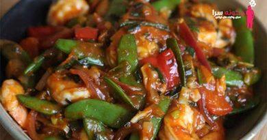 چگونه خوراک میگو و قارچ هندی درست کنیم؟